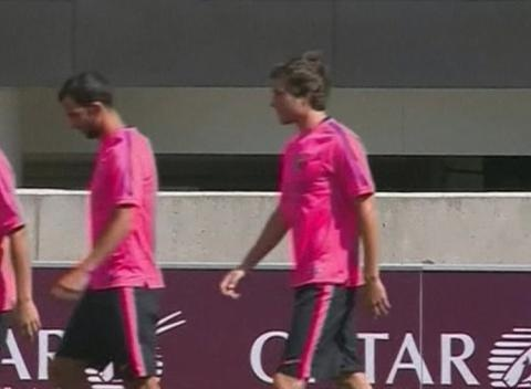 News video: Barcelona Train in the UK Ahead of New Season